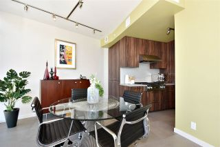 """Photo 6: 2804 1211 MELVILLE Street in Vancouver: Coal Harbour Condo for sale in """"The Ritz"""" (Vancouver West)  : MLS®# R2247457"""