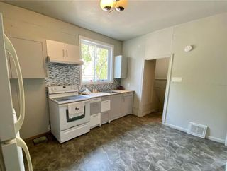 Photo 2: 297 Redwood Avenue in Winnipeg: North End Residential for sale (4A)  : MLS®# 202117964