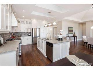 Photo 6: 2071 Hedgestone Lane in VICTORIA: La Bear Mountain Residential for sale (Langford)  : MLS®# 339240