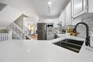 Photo 7: 7 Silvergrove Close NW in Calgary: Silver Springs Row/Townhouse for sale : MLS®# A1150869