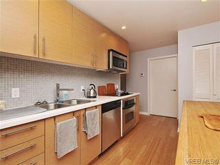 Photo 9: 302 399 Tyee Rd in VICTORIA: VW Victoria West Condo for sale (Victoria West)  : MLS®# 637735