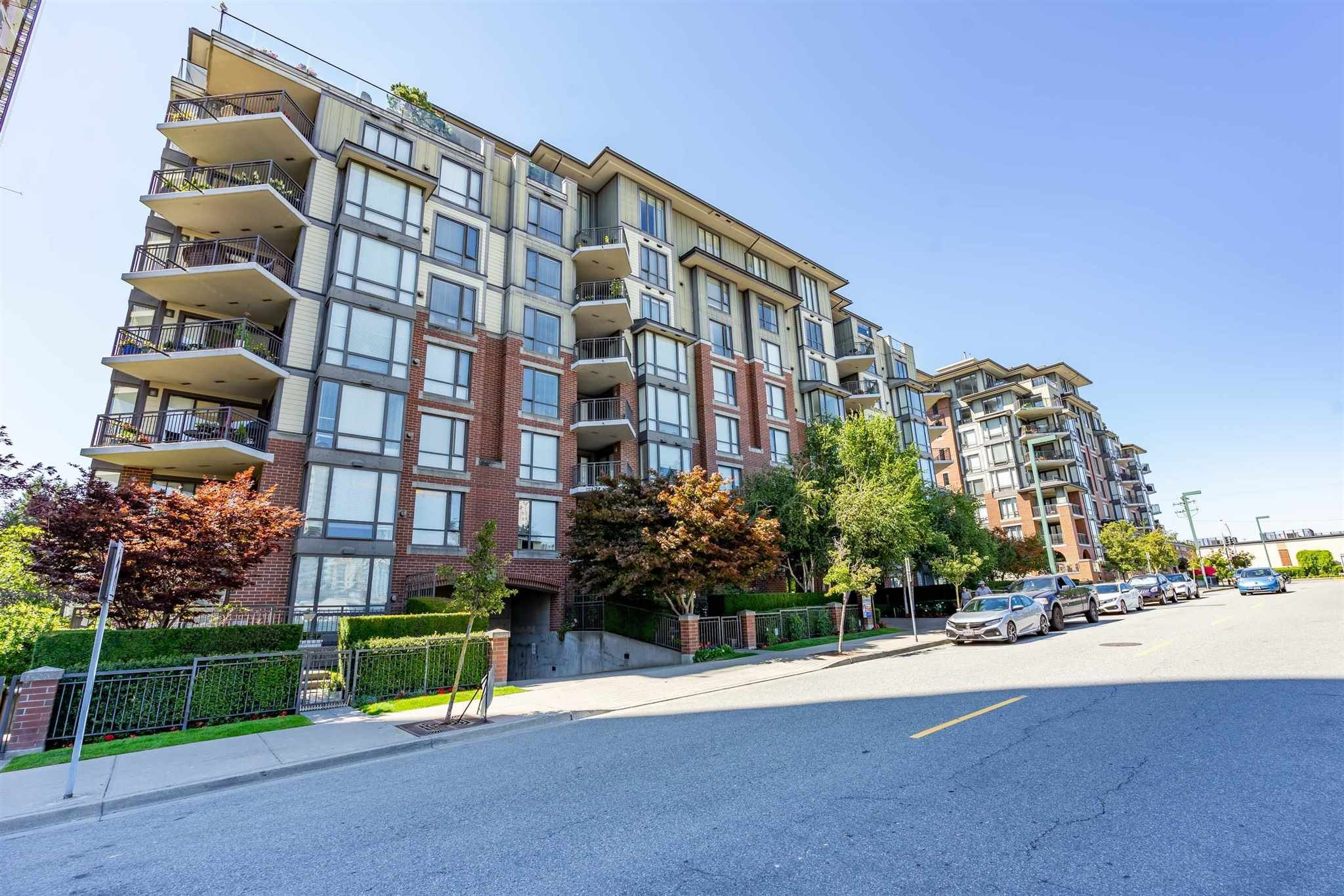 """Main Photo: 106 1551 FOSTER Street: White Rock Condo for sale in """"SUSSEX HOUSE"""" (South Surrey White Rock)  : MLS®# R2602662"""