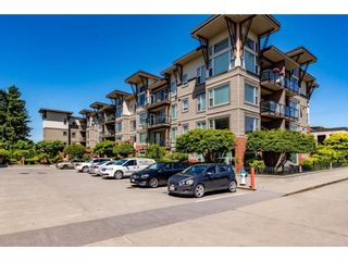 Photo 3: 308 33538 MARSHALL Road in Abbotsford: Abbotsford East Condo for sale : MLS®# R2593643