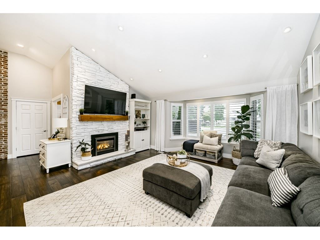 Photo 9: Photos: 1566 184 Street in Surrey: Hazelmere House for sale (South Surrey White Rock)  : MLS®# R2499303