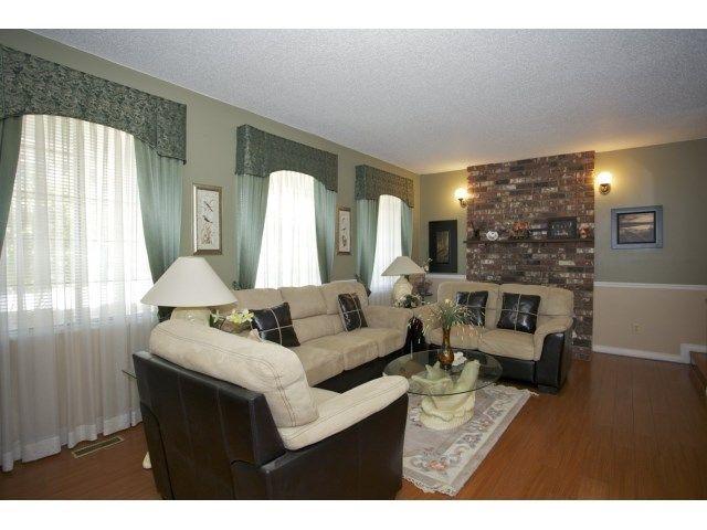 Photo 3: Photos: 9585 155TH Street in Surrey: Fleetwood Tynehead House for sale : MLS®# F1449760