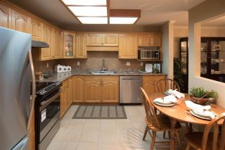 """Photo 6: 406 2626 COUNTESS Street in Abbotsford: Abbotsford West Condo for sale in """"The Wedgewood"""" : MLS®# R2221991"""