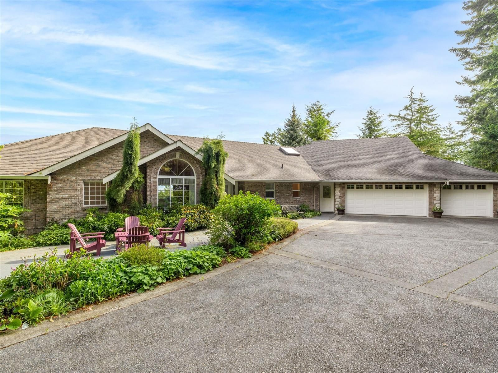 Main Photo: 6620 David Pl in : Na Upper Lantzville House for sale (Nanaimo)  : MLS®# 882647