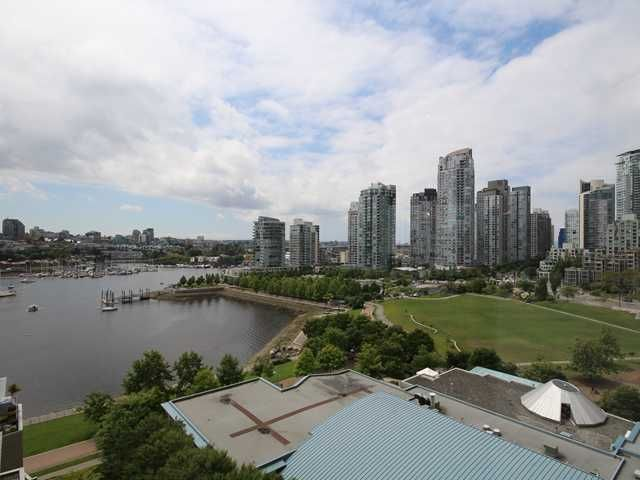 """Main Photo: 1505 1383 MARINASIDE Crescent in Vancouver: Yaletown Condo for sale in """"COLUMBUS"""" (Vancouver West)  : MLS®# V1069341"""