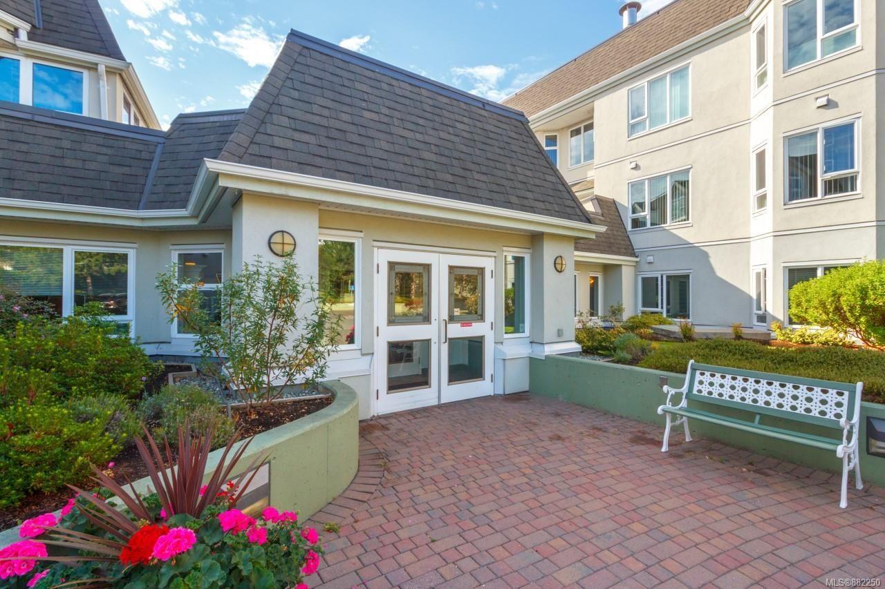 Main Photo: 202 1521 Church Ave in : SE Cedar Hill Condo for sale (Saanich East)  : MLS®# 882250