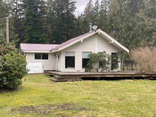 Photo 3: 12791 PILGRIM Street in Mission: Stave Falls House for sale : MLS®# R2557376