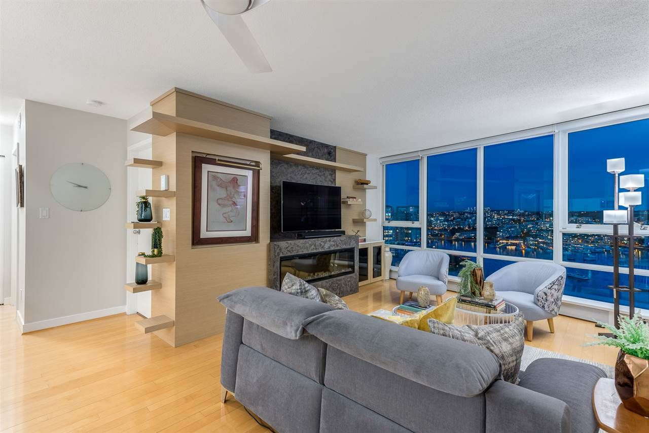 Main Photo: 2101 1408 STRATHMORE MEWS in Vancouver: Yaletown Condo for sale (Vancouver West)  : MLS®# R2489740
