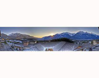 """Photo 10: 18 1026 GLACIER VIEW Drive in Squamish: Garibaldi Highlands Townhouse for sale in """"SEASONVIEW"""" : MLS®# V685594"""