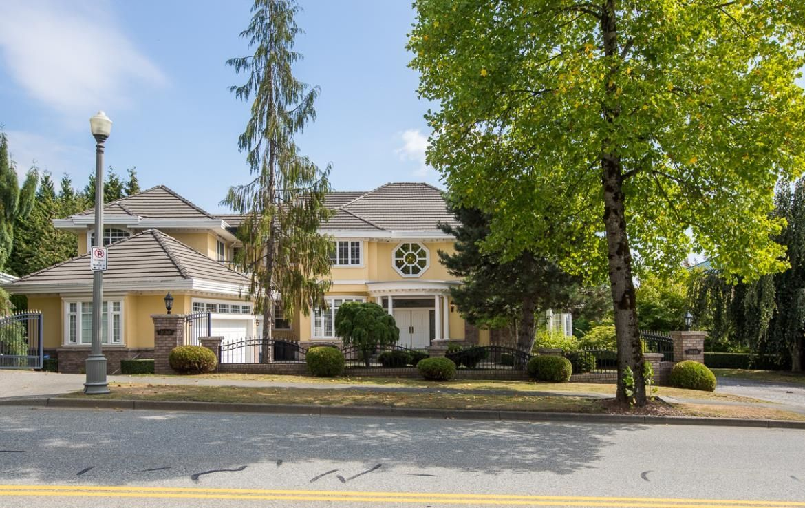 Main Photo: 3139 PLATEAU Boulevard in Coquitlam: Westwood Plateau House for sale : MLS®# R2621820