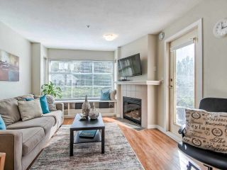 """Main Photo: 401 2388 TRIUMPH Street in Vancouver: Hastings Condo for sale in """"ROYAL ALEXANDRA"""" (Vancouver East)  : MLS®# R2502736"""