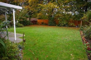 Photo 15: 6970 COACH LAMP Drive in Sardis: Sardis West Vedder Rd House for sale : MLS®# R2118745