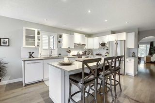 Photo 7: 231 COACHWAY Road SW in Calgary: Coach Hill Detached for sale : MLS®# C4305633