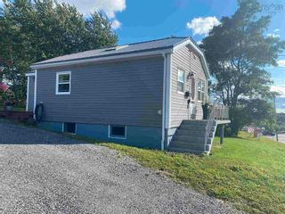 Photo 4: 9 Memorial Drive in North Sydney: 205-North Sydney Residential for sale (Cape Breton)  : MLS®# 202124298