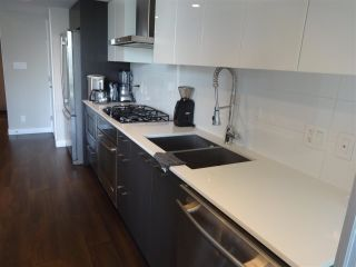 """Photo 5: 1001 1618 QUEBEC Street in Vancouver: Mount Pleasant VE Condo for sale in """"CENTRAL"""" (Vancouver East)  : MLS®# R2586251"""