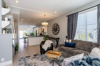 """Photo 3: 36 21150 76A Avenue in Langley: Willoughby Heights Townhouse for sale in """"HUTTON"""" : MLS®# R2343680"""