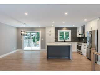 """Photo 4: 20504 43 Avenue in Langley: Brookswood Langley House for sale in """"BROOKSWOOD"""" : MLS®# R2430044"""