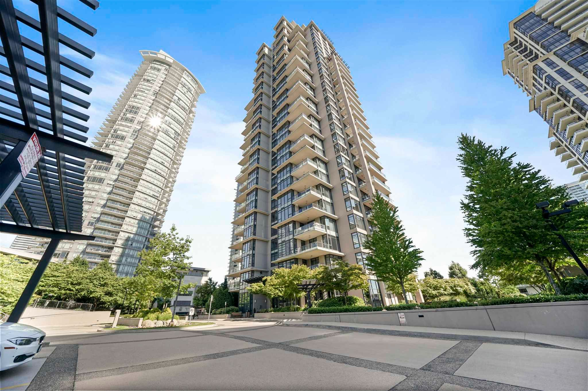 """Main Photo: 601 2077 ROSSER Avenue in Burnaby: Brentwood Park Condo for sale in """"Vantage"""" (Burnaby North)  : MLS®# R2594703"""