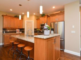 Photo 7: 105 1055 Crown Isle Dr in COURTENAY: CV Crown Isle Row/Townhouse for sale (Comox Valley)  : MLS®# 740518