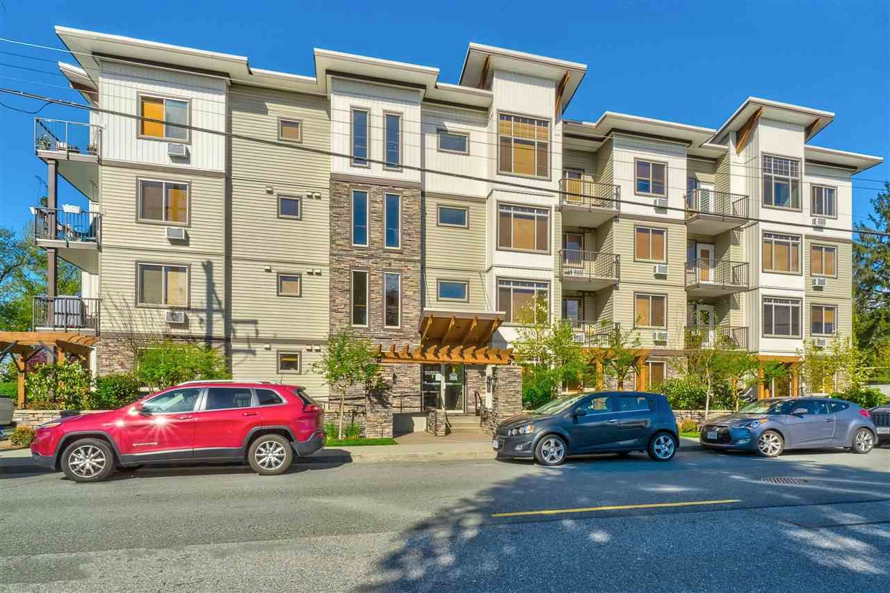 "Main Photo: 401 11887 BURNETT Street in Maple Ridge: East Central Condo for sale in ""WELLINGTON STATION"" : MLS®# R2420542"