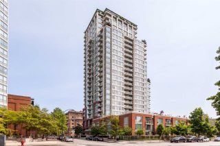 """Photo 1: TH 15 550 TAYLOR Street in Vancouver: Downtown VW Condo for sale in """"The Taylor"""" (Vancouver West)  : MLS®# R2219638"""