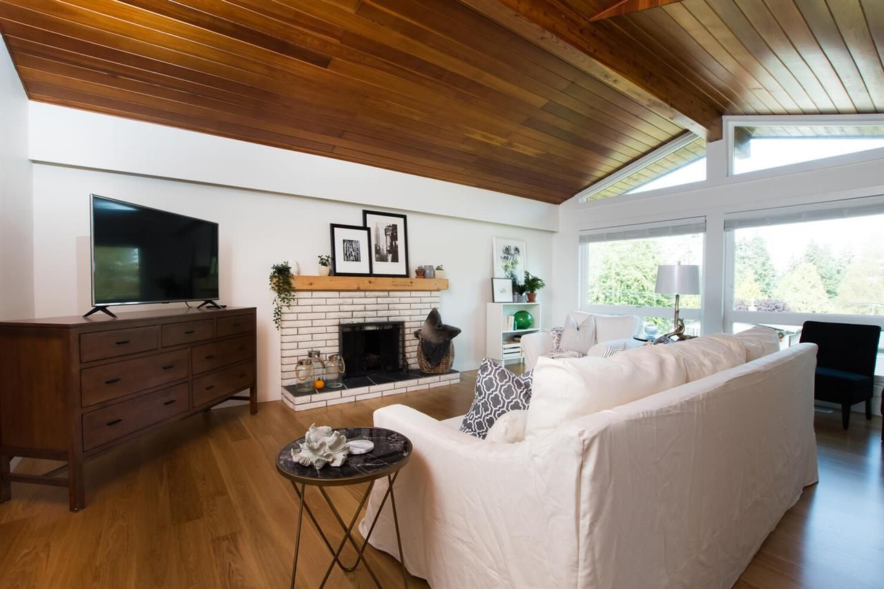 Photo 3: Photos: 5110 WILSON Drive in Delta: Tsawwassen Central House for sale (Tsawwassen)  : MLS®# R2501280