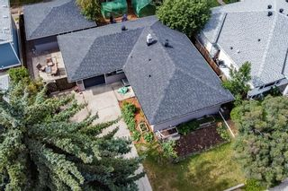Photo 3: 2615 Glenmount Drive SW in Calgary: Glendale Detached for sale : MLS®# A1139944