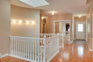 Photo 4: 212 SIMCOE Place SW in Calgary: Signal Hill Semi Detached for sale : MLS®# C4293353