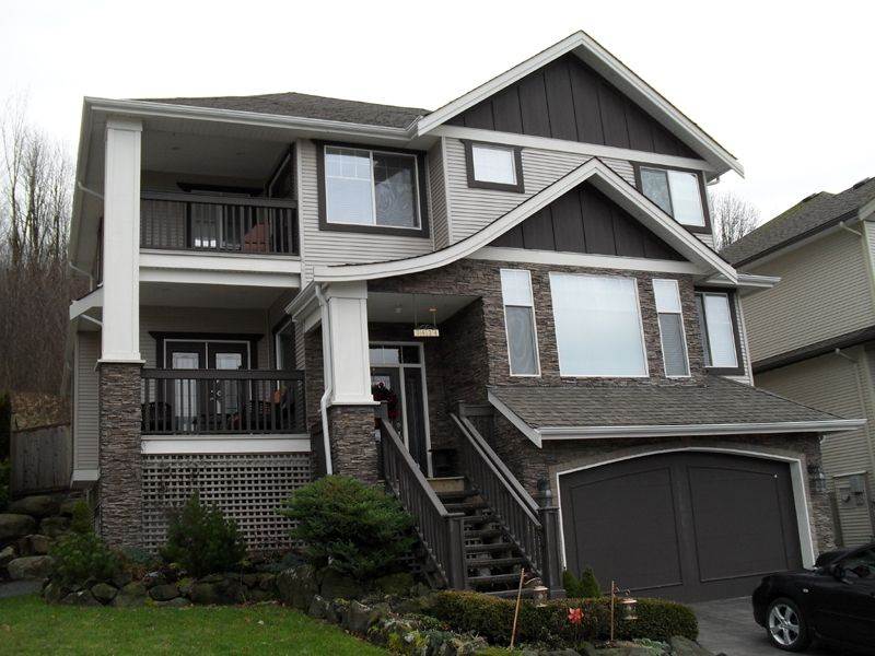"""Main Photo: 3434 APPLEWOOD DR in ABBOTSFORD: Abbotsford East House for rent in """"THE HIGHLANDS"""" (Abbotsford)"""