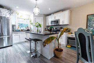 Photo 3: 210 G Avenue North in Saskatoon: Caswell Hill Residential for sale : MLS®# SK862640