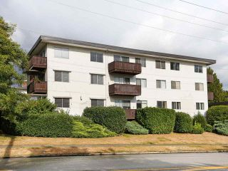 """Photo 1: 205 910 FIFTH Avenue in New Westminster: Uptown NW Condo for sale in """"Grosvenor Court"""" : MLS®# R2426702"""