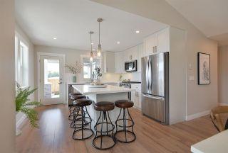 "Photo 3: 5677 KINGBIRD Crescent in Sechelt: Sechelt District House for sale in ""SilverStone Heights"" (Sunshine Coast)  : MLS®# R2586409"