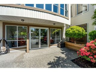 """Photo 2: 219 15991 THRIFT Avenue: White Rock Condo for sale in """"ARCADIAN"""" (South Surrey White Rock)  : MLS®# R2456477"""