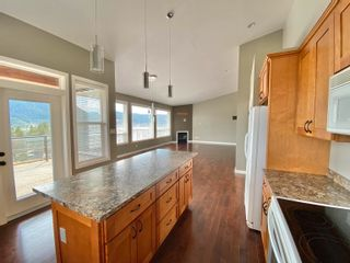 Photo 2: 1923 BOE Place in Williams Lake: Williams Lake - City House for sale (Williams Lake (Zone 27))  : MLS®# R2613434