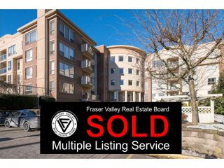 """Photo 1: 103 33731 MARSHALL Road in Abbotsford: Central Abbotsford Condo for sale in """"Stephanie Place"""" : MLS®# R2129538"""