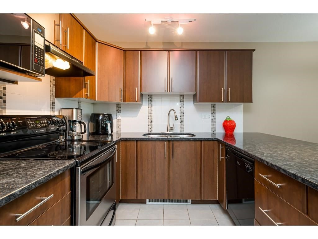 """Photo 6: Photos: 204 19366 65 Avenue in Surrey: Clayton Condo for sale in """"LIBERTY AT SOUTHLANDS"""" (Cloverdale)  : MLS®# R2591315"""