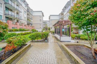 """Photo 16: 405 6468 195A Street in Surrey: Clayton Condo for sale in """"YALE BLOC"""" (Cloverdale)  : MLS®# R2616487"""