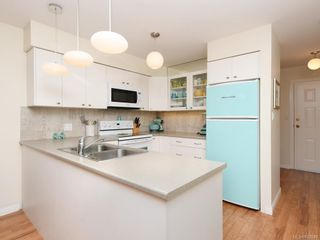 Photo 7: 305 7070 West Saanich Rd in Central Saanich: CS Brentwood Bay Condo for sale : MLS®# 842049