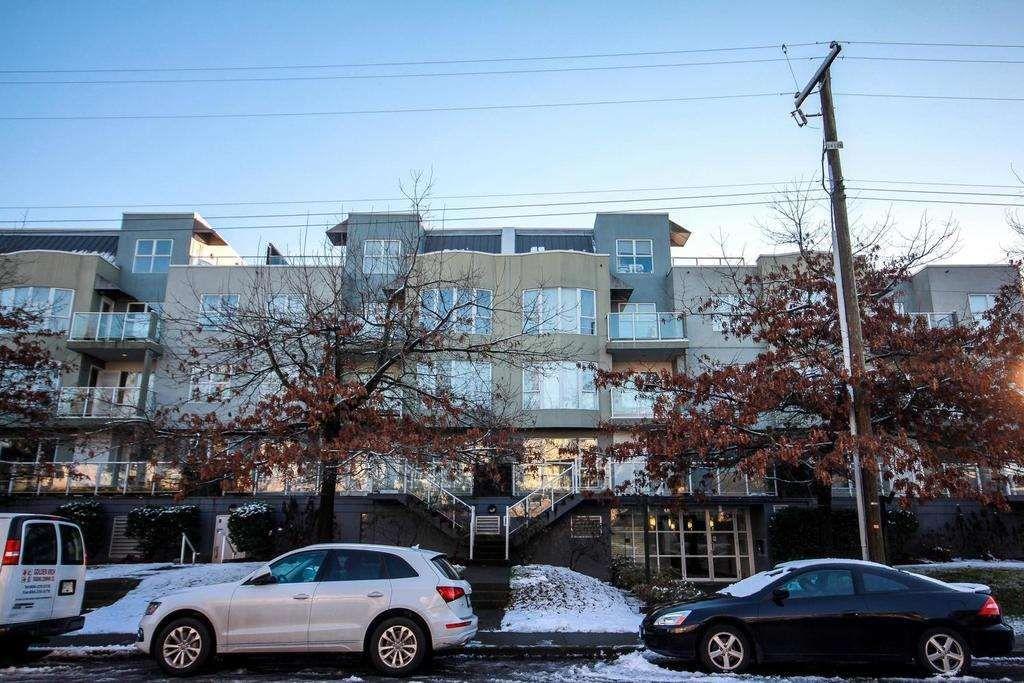Main Photo: 213 8600 Jones Road in Richmond: Brighouse South Condo for sale : MLS®# R2127384