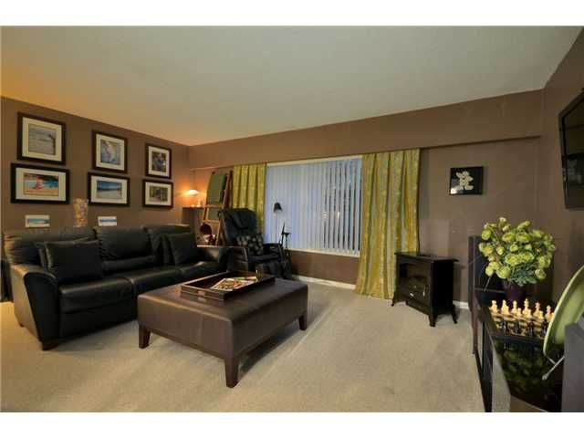 Main Photo: 5284 CLAUDE Avenue in Burnaby: Burnaby Lake House for sale (Burnaby South)  : MLS®# V920024