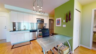 """Photo 3: 2206 788 HAMILTON Street in Vancouver: Downtown VW Condo for sale in """"TV TOWERS"""" (Vancouver West)  : MLS®# R2559691"""