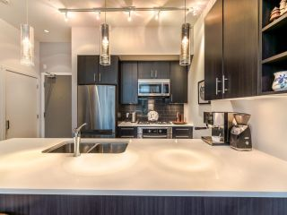 """Photo 7: TH5 619 FIFTH Avenue in New Westminster: Uptown NW Townhouse for sale in """"VICEROY"""" : MLS®# R2593947"""