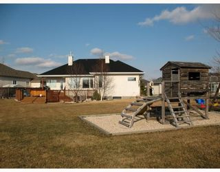 Photo 3: 11 CLEARWOOD Cove in WINNIPEG: Birdshill Area Residential for sale (North East Winnipeg)  : MLS®# 2806116