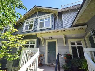 """Main Photo: 10 7428 SOUTHWYNDE Avenue in Burnaby: South Slope Townhouse for sale in """"Ledgestone II"""" (Burnaby South)  : MLS®# R2591534"""