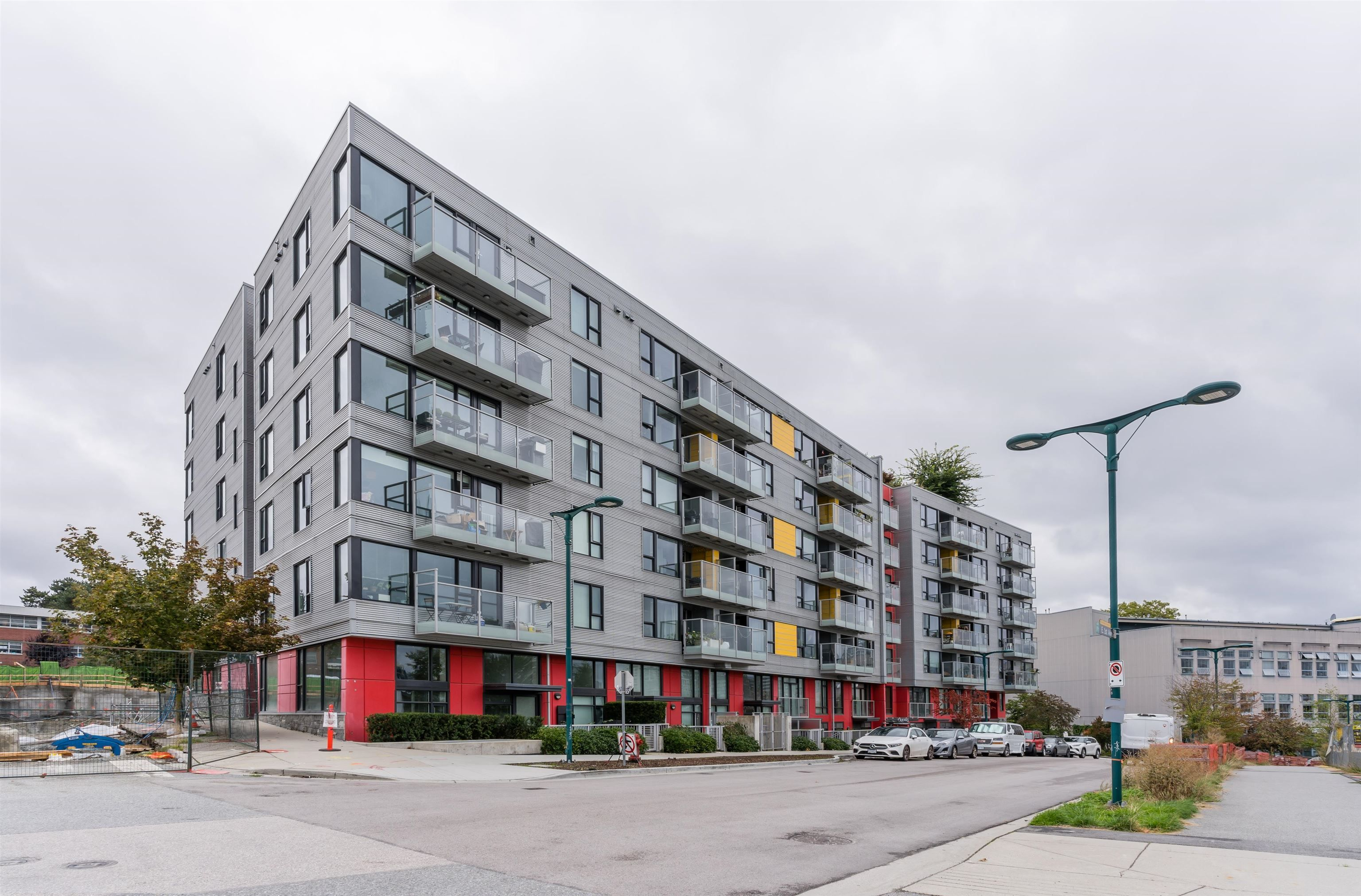 Main Photo: 704 384 E 1ST Avenue in Vancouver: Strathcona Condo for sale (Vancouver East)  : MLS®# R2620551