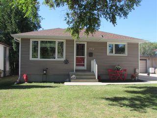Photo 3: 992 Fleming Avenue in Winnipeg: East Kildonan Residential for sale (3B)  : MLS®# 202019171