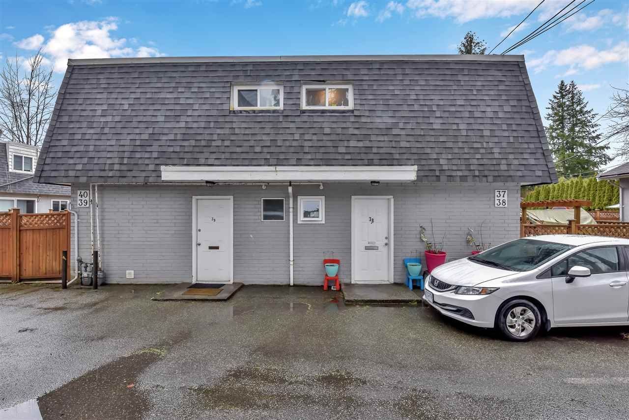 Main Photo: 38 21555 DEWDNEY TRUNK Road in Maple Ridge: West Central Townhouse for sale : MLS®# R2553736